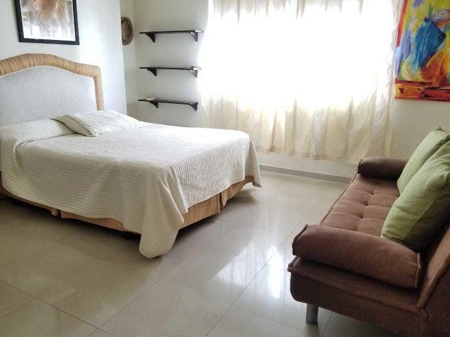 Apartamento Santo Domingo>Distrito Nacional>Evaristo Morales - Venta:205.000 Dolares - codigo: 21-443