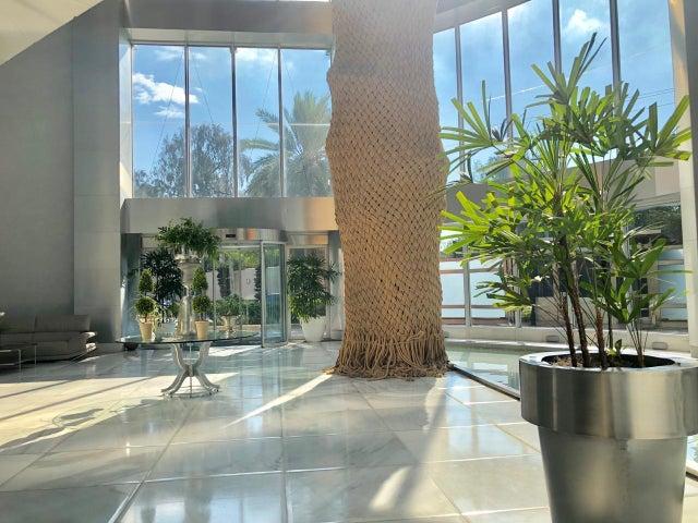 Apartamento Santo Domingo>Distrito Nacional>Mirador Sur - Venta:2.200.000 Dolares - codigo: 21-452