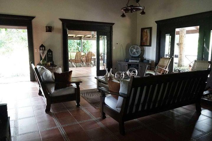 Casa Santo Domingo>Santo Domingo Oeste>Altagracia - Venta:24.000.000 Pesos - codigo: 21-487