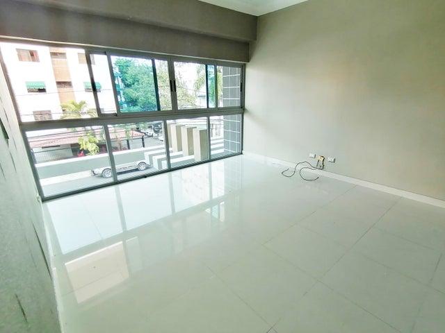 Apartamento Santo Domingo>Distrito Nacional>Evaristo Morales - Venta:150.000 Dolares - codigo: 21-581