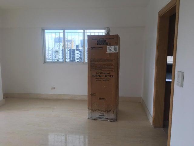 Apartamento Santo Domingo>Distrito Nacional>Evaristo Morales - Venta:155.000 Dolares - codigo: 21-718