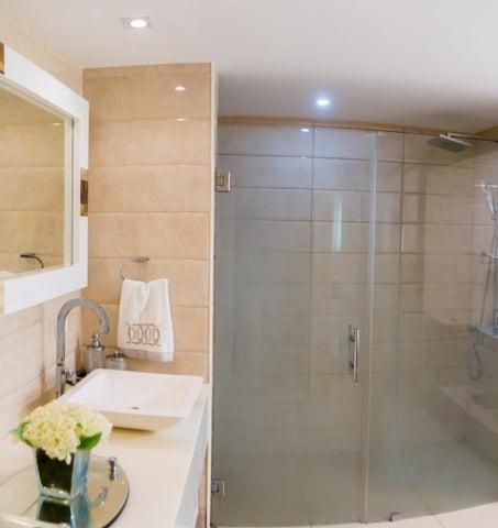 Apartamento Santo Domingo>Distrito Nacional>Naco - Venta:499.000 Dolares - codigo: 21-889