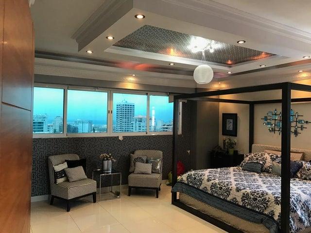 Apartamento Santo Domingo>Distrito Nacional>La Esperilla - Venta:585.000 Dolares - codigo: 21-891