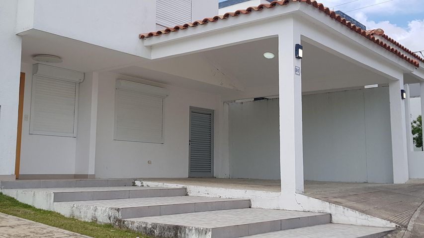 Casa Santo Domingo>Distrito Nacional>Cuesta Hermosa II - Venta:400.000 Dolares - codigo: 21-898