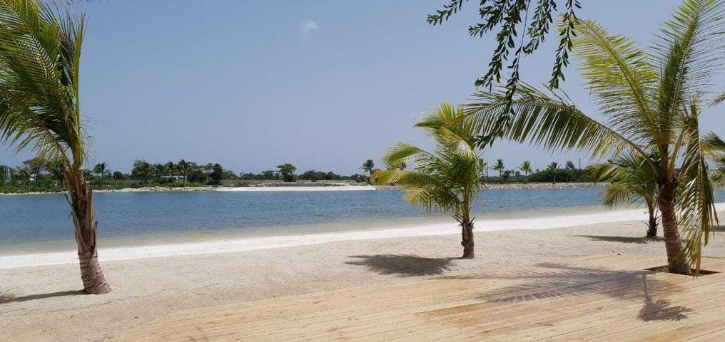 Terreno La Altagracia>Punta Cana>Bavaro - Venta:76.650 Dolares - codigo: 21-901