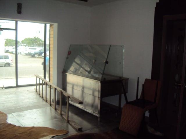 Local Comercial Santo Domingo>Distrito Nacional>Naco - Alquiler:1.800 Dolares - codigo: 21-915