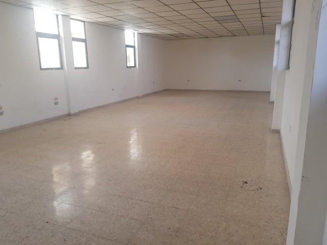 Local Comercial Santo Domingo>Distrito Nacional>Naco - Alquiler:3.976 Dolares - codigo: 21-920