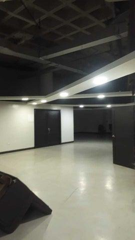 Local Comercial Santo Domingo>Distrito Nacional>Villa Juana - Alquiler:36.025 Dolares - codigo: 21-932
