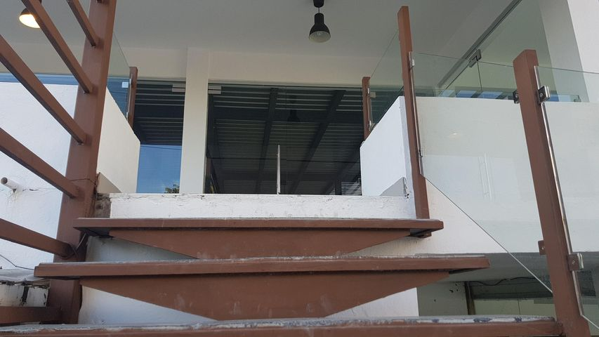 Local Comercial Santo Domingo>Distrito Nacional>Bella Vista - Alquiler:67.200 Pesos - codigo: 21-935