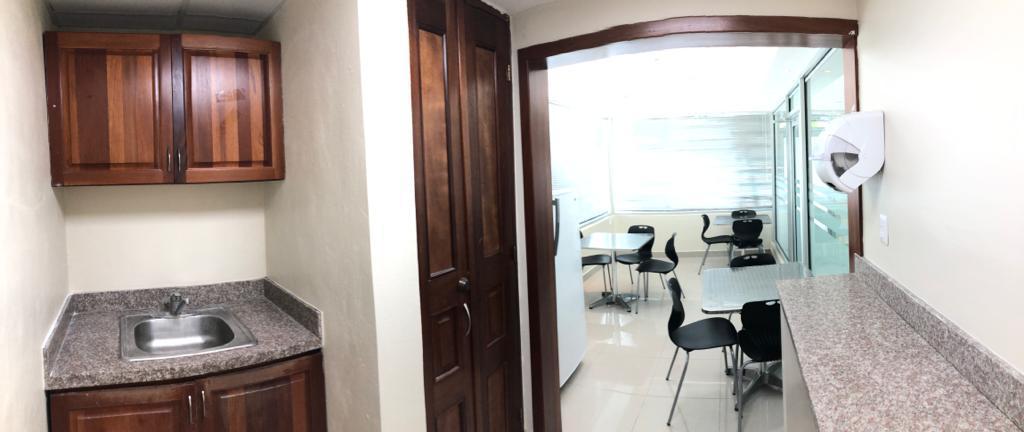 Local Comercial Santo Domingo>Distrito Nacional>La Esperilla - Venta:2.264.400 Dolares - codigo: 21-940
