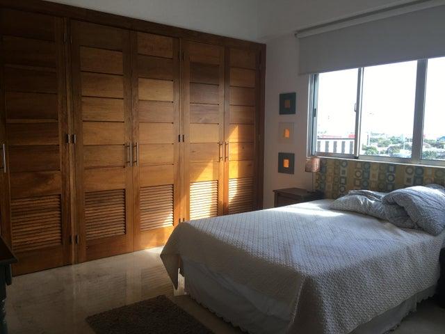 Apartamento Santo Domingo>Distrito Nacional>Serralles - Venta:270.000 Dolares - codigo: 21-977