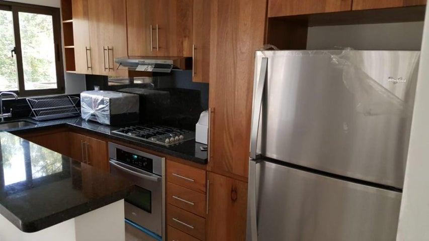 Apartamento Santo Domingo>Distrito Nacional>Piantini - Alquiler:900 Dolares - codigo: 21-1133