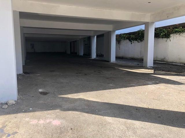 Local Comercial Santo Domingo>Distrito Nacional>Julienta Morales - Venta:1.550.000 Dolares - codigo: 21-1144