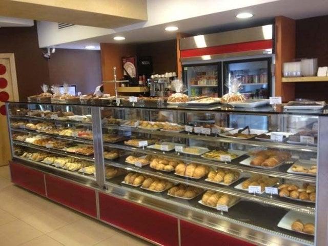 Local Comercial Santo Domingo>Distrito Nacional>Las Praderas - Alquiler:4.000 Dolares - codigo: 21-1155