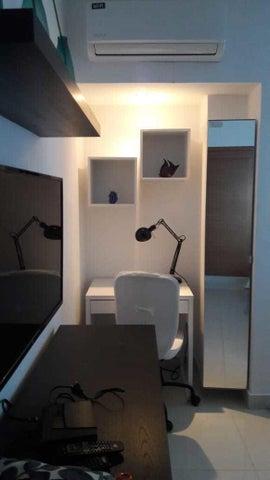 Apartamento Santo Domingo>Distrito Nacional>Piantini - Alquiler:1.300 Dolares - codigo: 21-1172