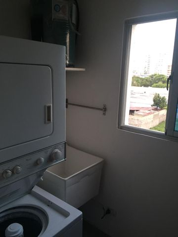 Apartamento Santo Domingo>Distrito Nacional>Evaristo Morales - Venta:105.000 Dolares - codigo: 21-1185