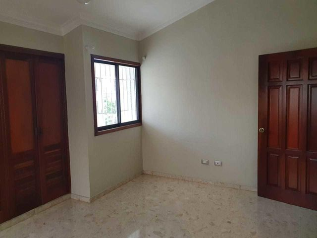 Casa Santo Domingo>Distrito Nacional>La Castellana - Alquiler:2.800 Dolares - codigo: 21-1160
