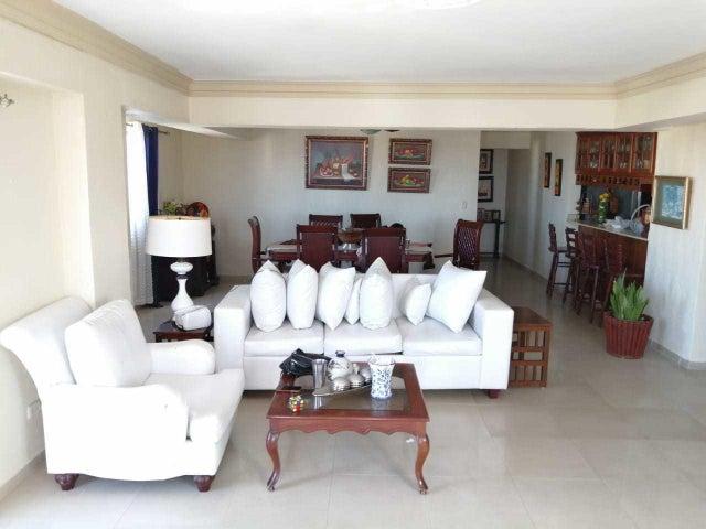 Apartamento Santo Domingo>Santo domingo Este>Alma Rosa I - Venta:240.000 Dolares - codigo: 21-1176
