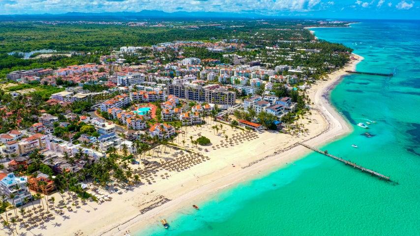 Apartamento La Altagracia>Punta Cana>Bavaro - Venta:352.452 Dolares - codigo: 21-1421