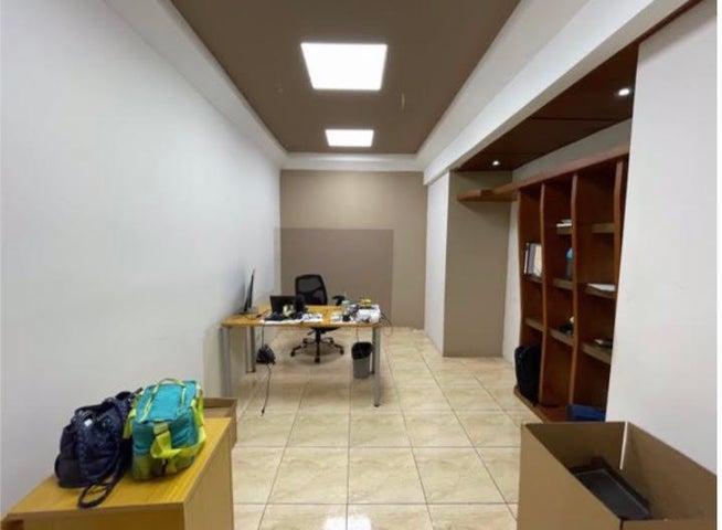 Local Comercial Santo Domingo>Distrito Nacional>Villa Juana - Venta:2.100.000 Dolares - codigo: 21-1877