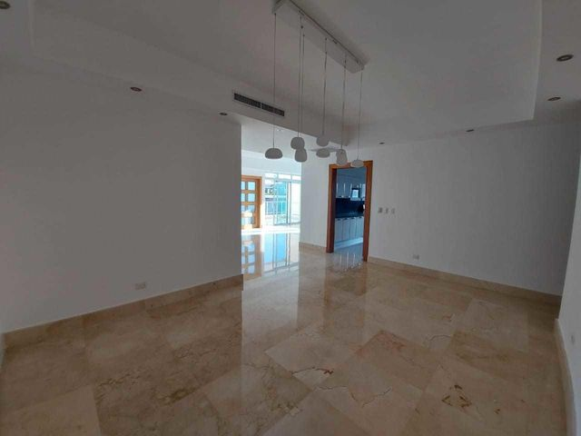 Apartamento Santo Domingo>Distrito Nacional>Piantini - Alquiler:2.600 Dolares - codigo: 21-1882