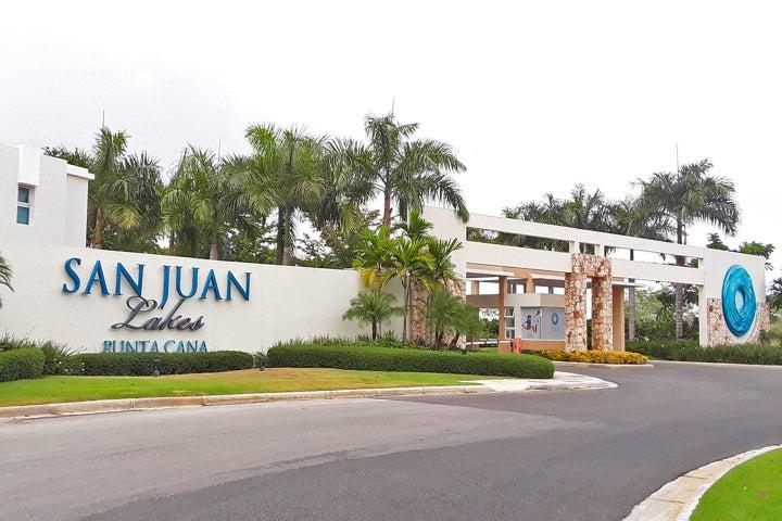 Casa La Altagracia>Punta Cana>Bavaro - Venta:349.000 Dolares - codigo: 21-1885