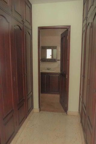 Apartamento Distrito Nacional>Santo Domingo>Mata Hambre - Venta:13.000.000 Pesos - codigo: 21-1922