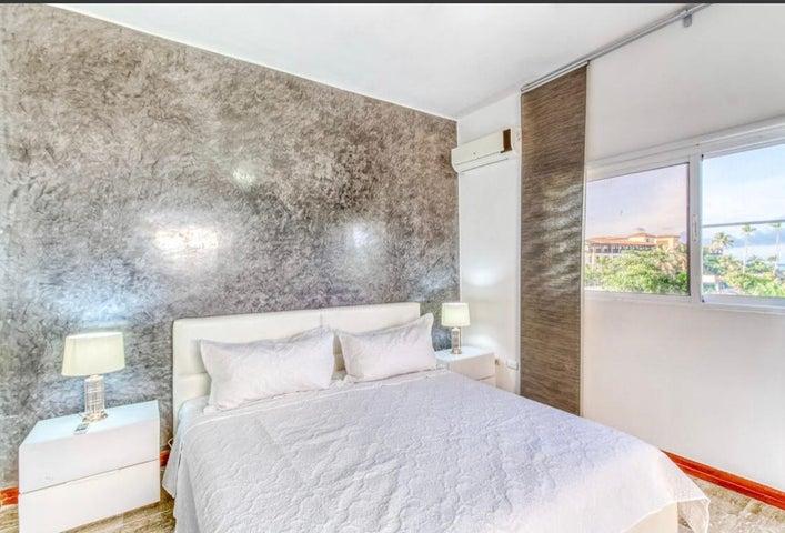 Apartamento La Altagracia>Punta Cana>Bavaro - Venta:245.000 Dolares - codigo: 21-1978