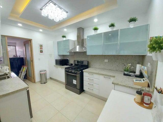 Apartamento Santo Domingo>Distrito Nacional>Piantini - Alquiler:3.000 Dolares - codigo: 21-2205