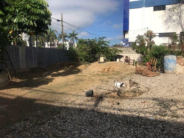 Terreno Santo Domingo>Santo Domingo Oeste>Av Prolongacion 27 de Febrero - Venta:5.000 Dolares - codigo: 21-2285
