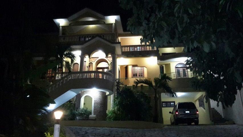 Casa Santo Domingo>Distrito Nacional>Altos de Arroyo Hondo - Venta:375.000 Dolares - codigo: 21-2444