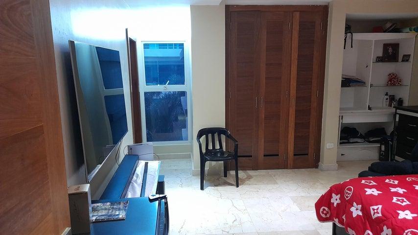 Apartamento Santo Domingo>Distrito Nacional>Naco - Alquiler:3.800 Dolares - codigo: 21-2745