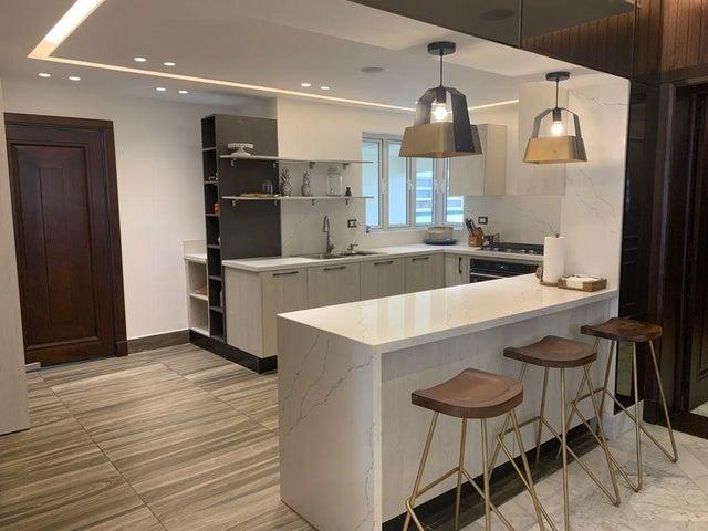 Apartamento Santo Domingo>Distrito Nacional>Piantini - Venta:380.000 Dolares - codigo: 21-2976