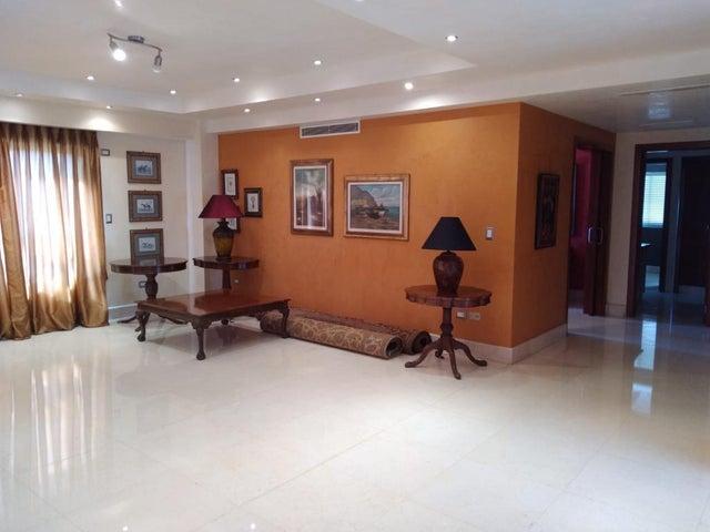 Apartamento Santo Domingo>Distrito Nacional>Piantini - Alquiler:2.800 Dolares - codigo: 21-2977