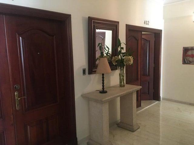 Apartamento Santo Domingo>Distrito Nacional>Serralles - Venta:225.000 Dolares - codigo: 21-3031