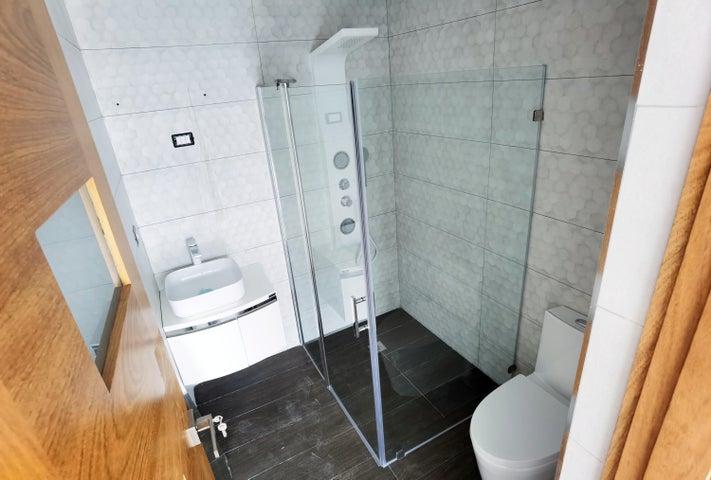 Apartamento Santo Domingo>Distrito Nacional>Piantini - Venta:235.000 Dolares - codigo: 21-204
