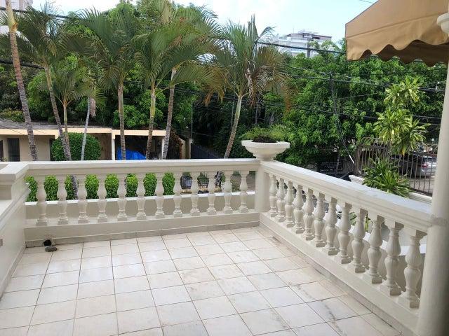 Casa Santo Domingo>Distrito Nacional>Renacimiento - Venta:450.000 Dolares - codigo: 21-3111