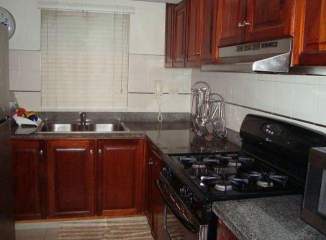 Apartamento Santo Domingo>Distrito Nacional>Evaristo Morales - Alquiler:750 Dolares - codigo: 21-3117