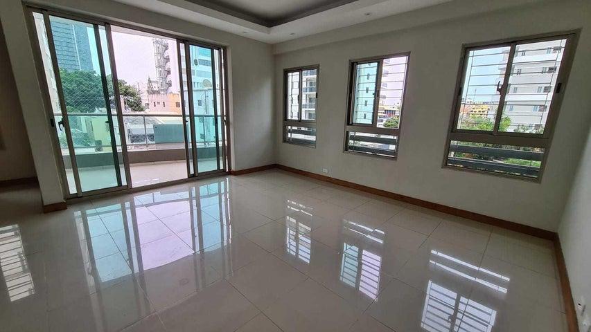 Apartamento Santo Domingo>Distrito Nacional>Evaristo Morales - Alquiler:1.150 Dolares - codigo: 21-3121