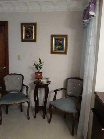 Casa Santo Domingo>Santo domingo Este>San Isidro - Venta:10.000.000 Pesos - codigo: 21-3133