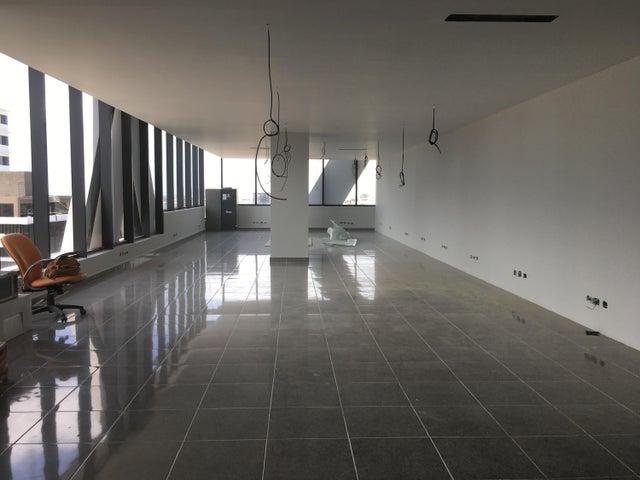 Oficina Santo Domingo>Distrito Nacional>Piantini - Alquiler:5.580 Dolares - codigo: 21-3159