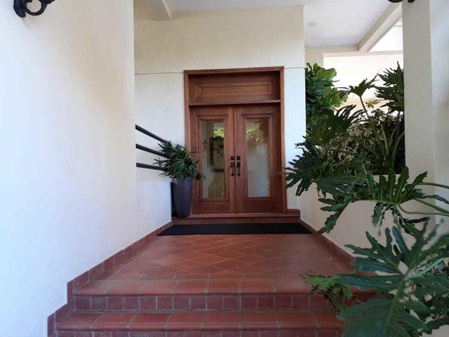 Apartamento Santo Domingo>Distrito Nacional>Los Cacicazgos - Venta:285.000 Dolares - codigo: 21-3170