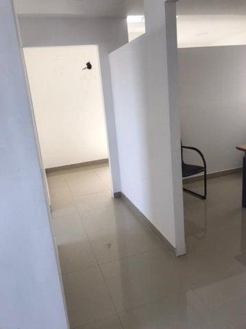 Local Comercial Santo Domingo>Distrito Nacional>El Millon - Alquiler:13.000 Dolares - codigo: 21-3227