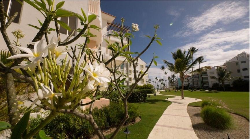 Apartamento La Altagracia>Punta Cana>Bavaro - Venta:229.000 Dolares - codigo: 21-3345