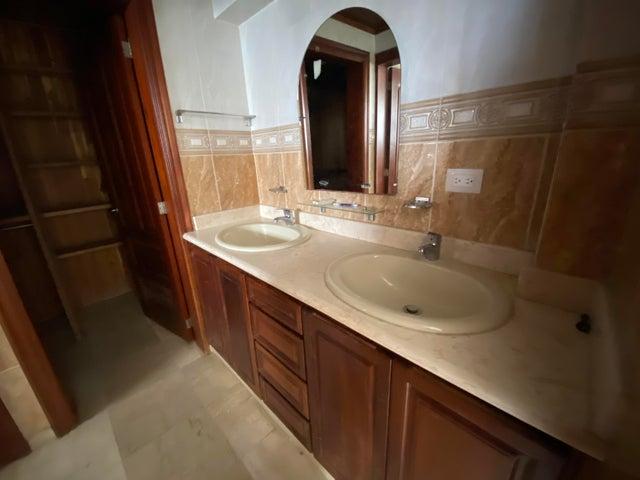 Apartamento Santo Domingo>Distrito Nacional>Los Cacicazgos - Venta:375.000 Dolares - codigo: 22-255
