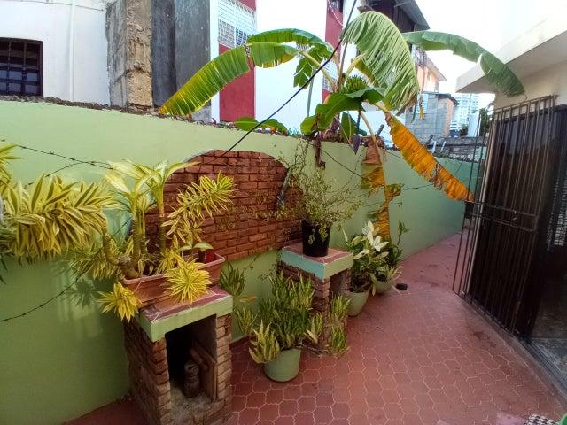 Casa Santo Domingo>Distrito Nacional>Buenos Aires del Mirador - Venta:210.000 Dolares - codigo: 22-266