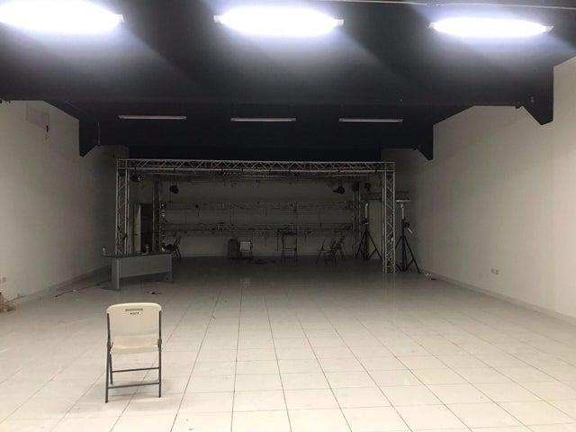 Local Comercial Santo Domingo>Distrito Nacional>Gazcue - Venta:575.000 Dolares - codigo: 22-311