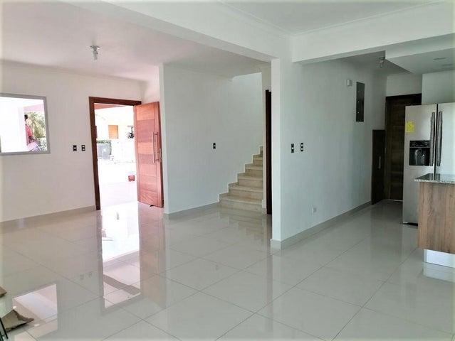 Casa Santo Domingo>Santo Domingo Norte>Cd Modelo Mirador Norte - Venta:229.000 Dolares - codigo: 22-328