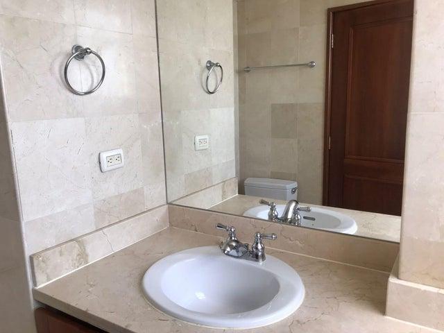 Apartamento Santo Domingo>Distrito Nacional>Naco - Alquiler:3.000 Dolares - codigo: 22-252