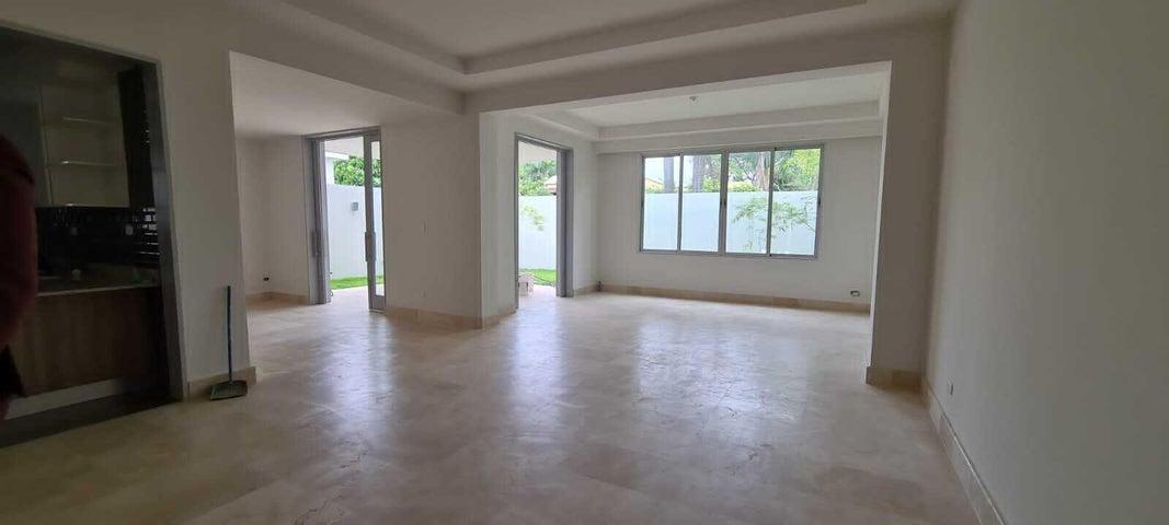 Casa Santo Domingo>Distrito Nacional>Cuesta Hermosa - Venta:430.000 Dolares - codigo: 21-1428